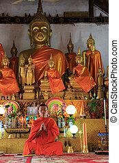 een, monnik, biddend