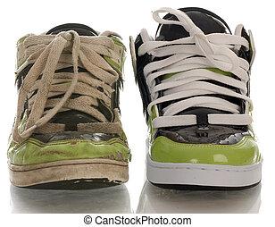 een, nieuw, schoen, en, een, afgesloofd, schoen