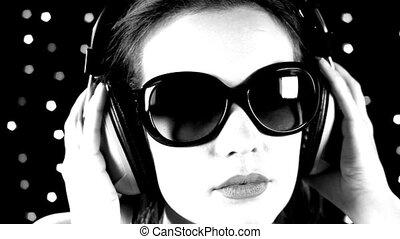 een, sexy, vrouw, dansen, met, headphones