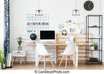 eenvoudig, houten, werkruimte, tafel