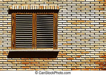 eenvoudig, woning, venster, op, rode baksteen muur