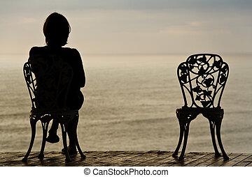 eenzaam, meisje, op, een, stoel