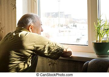 eenzaam, oud, venster, man, staren uit
