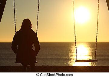 eenzaam, vrouw, schouwend, ondergaande zon , alleen, in, winter