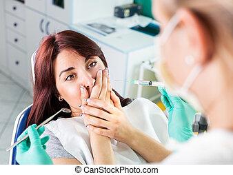 effrayé, dentiste, girl