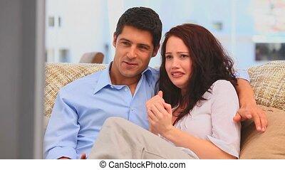 effrayant, couple, film regardant