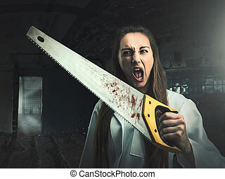 effrayant, femme fâchée, scie, portrait