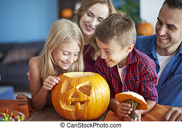 effrayant, halloween, famille, citrouille