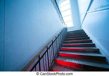 effrayant, haut, regarder, re, aller, déformé, escalier, stairway.