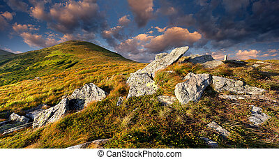 efterår landskab, bjerge., solopgang, farverig