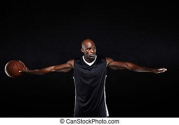 egészséges, fiatal, kosárlabda játékos, noha, fegyver outstretched