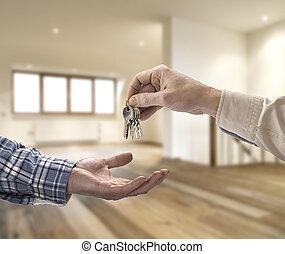 egendomsmægler, give, hus nøgle, til, køber, ind, tom rum