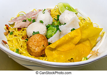 Egg noodle with fish ball