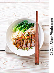 egg noodle with red roasted pork and wonton