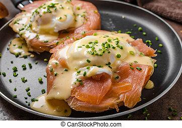 Eggs benedict with salmon - Eggs benedict and smoked salmon ...