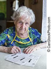egy, öregedő woman, tölt, ki, alakít