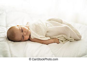 egy, 4, hónap, csecsemő, alvás, képben látható, egy, fehér, ágy, otthon