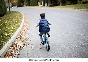 egy, csinos, kölyök, elnyomott bicikli