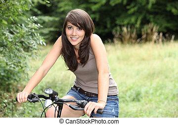 egyedül, bicikli elnyomott, barna nő, tizenéves