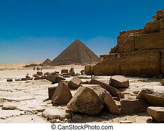 Egyptian Pyramids - The Great Pyramids at Giza, Cairo,...
