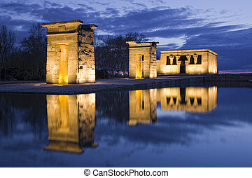 Egiptian Debod's temple reflection on water at night