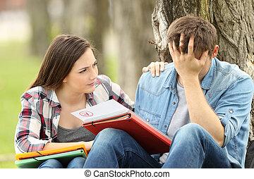 egzamin, smutny, czas przeszły czasownika 'fail', utulając, student, przyjaciel