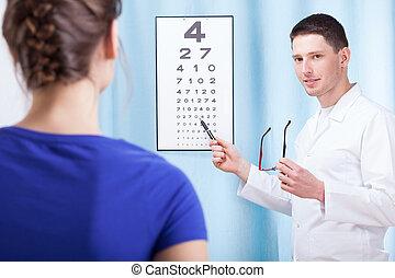 egzaminując, oculist, pacjent