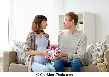 ehefrau, geben, schwanger, geburstag, ehemann, geschenk