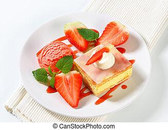 eiercreme, (vanilla), scheibe, mit, erdbeeren, und, eis