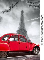 eiffel torreggia, con, vecchio, macchina rossa, in, parigi, francia