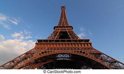 Eiffel Tower. Timelapse.