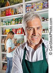eigenaar, met, vrouwlijk, klant, shoppen , in, achtergrond