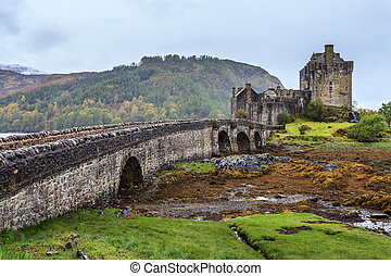 Eilan Donan castle in Scotland on a grey day