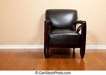 ein, leerer , schwarzes leder, stuhl, in, haus