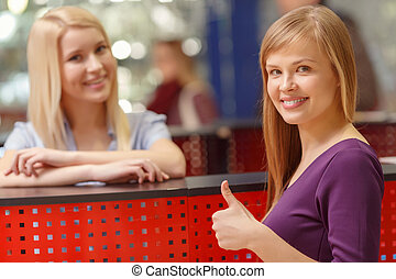 einkaufszentrum, shoppen, helfen schreibtisch