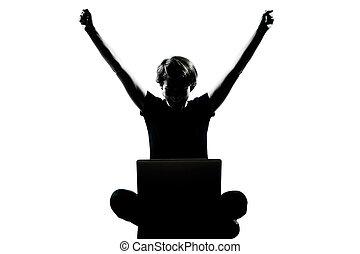 eins, kaukasier, junger, teenager, silhouette, junge, m�dchen, edv, rechnen, laptop, glücklich, erfolg, volle länge, in, studio, ausschneiden, freigestellt, weiß, hintergrund