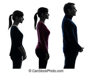 eins, kaukasische familie, vater, mutter, töchterchen, mann stehen, ernst, profil, porträt, in, silhouette, studio, freigestellt, weiß, hintergrund