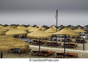 einsam, Jahreszeit,  sunbed, Schirme,  thatched, sandstrand, leerer, heraus
