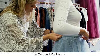 einstellung, entwerfer, kunde, 4k, mode, kleiden