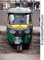 eisenbahn, autorickshaw, parken, altes , tuk, delhi, indien...