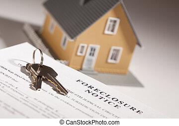 ejecución hipoteca, aviso, teclas de casa, y, hogar modelo, en, gradated, plano de fondo, con, selectivo, enfoque.