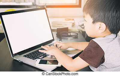 ekran, do góry, asian, czysty, używający laptop, kpić, koźlę