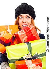ekstatisch, frau, in, überwintern hut, mit, viele, geschenke
