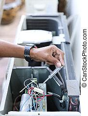 elétrico, detetor, eletricista, segurando mão
