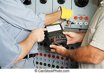 elétrico, equipe, testar, voltagem