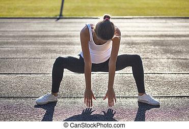 előbb, nő, egészséges, emberek, futó, strech, tréning, után, fiatal, streching, női, ünnepély, külső rész., outdoors., sport, concept., atlétikai