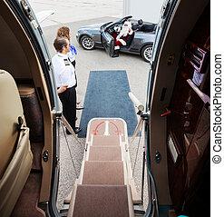 előtér, belépés, magán, kéz, hullámzás, jet's, szent, airhostess, átváltható, kilátás, pilóta