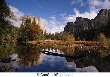 El Capitan Bridal Viel Falls Merced River Yosemite National...