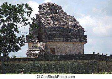 El caracol tower in chichen itza  Ancient mayan building