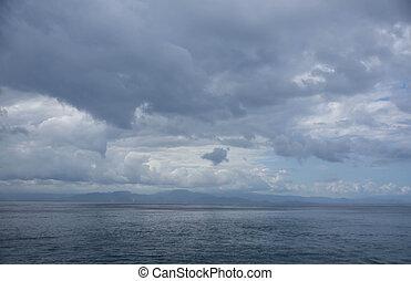 el, cielo nublado, encima, el, tropical, océano